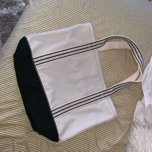Mossimo Supply Co. Bags - Mossimo Exclusive Tote